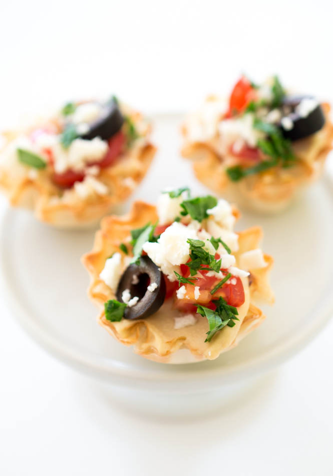 Healthy 10 Minute Greek Hummus Phyllo Bites | chefsavvy.com #recipe #appetizer #easy #healthy