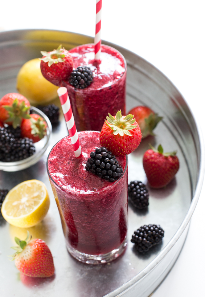 Mixed Berry Lemonade | chefsavvy.com