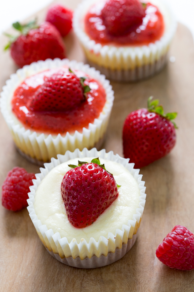 Mini Cheesecake Cupcakes | chefsavvy.com