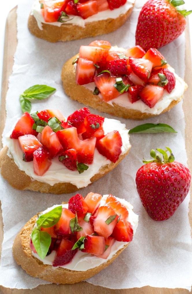 Super Easy Strawberry Basil Bruschetta