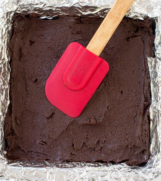 Fudgey Chocolate Brownies | chefsavvy.com