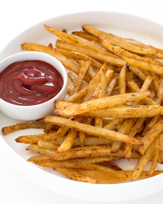 Fries with ketchup | chefsavvy.com