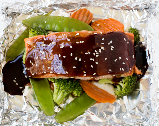 Easy Hoisin Salmon and Veggies | chefsavvy.com