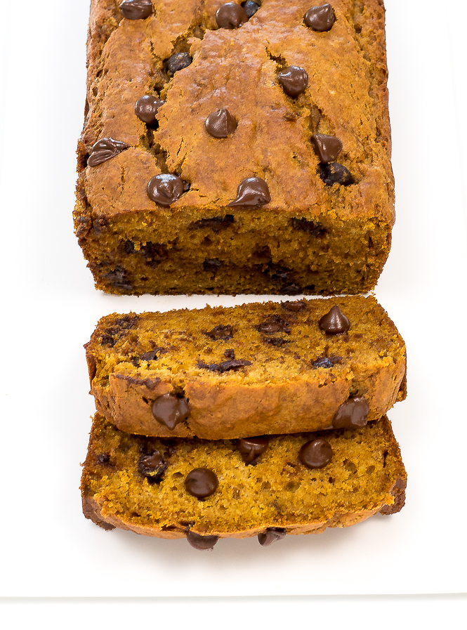 Easy Pumpkin Chocolate Chip Bread | chefsavvy.com