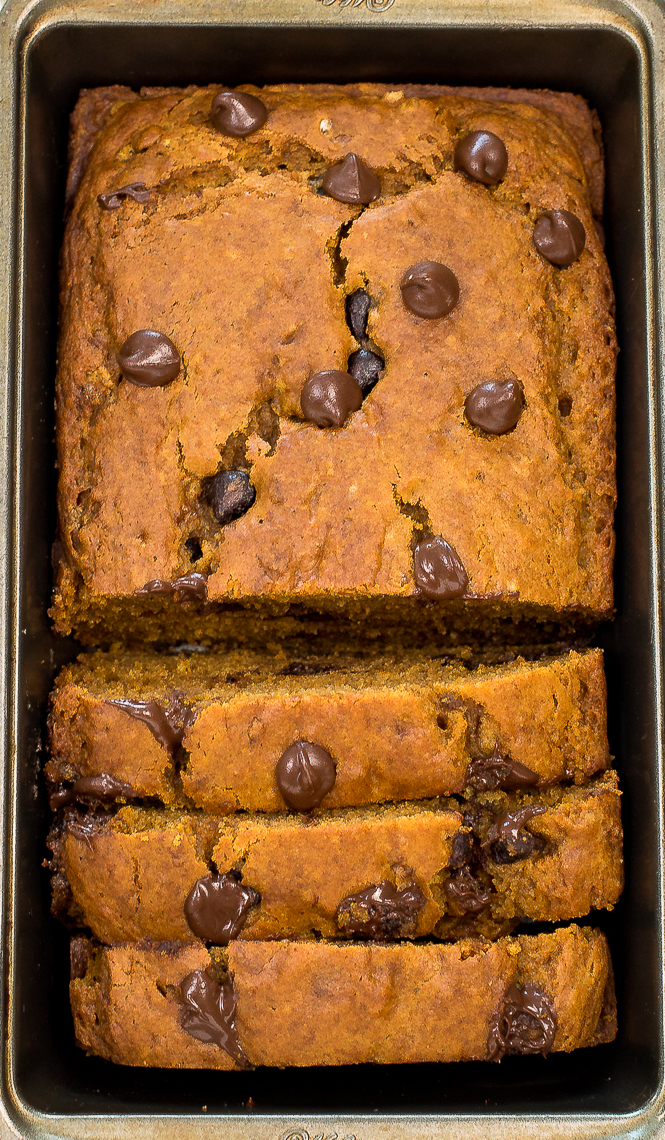 The Best Pumpkin Chocolate Chip Bread | chefsavvy.com