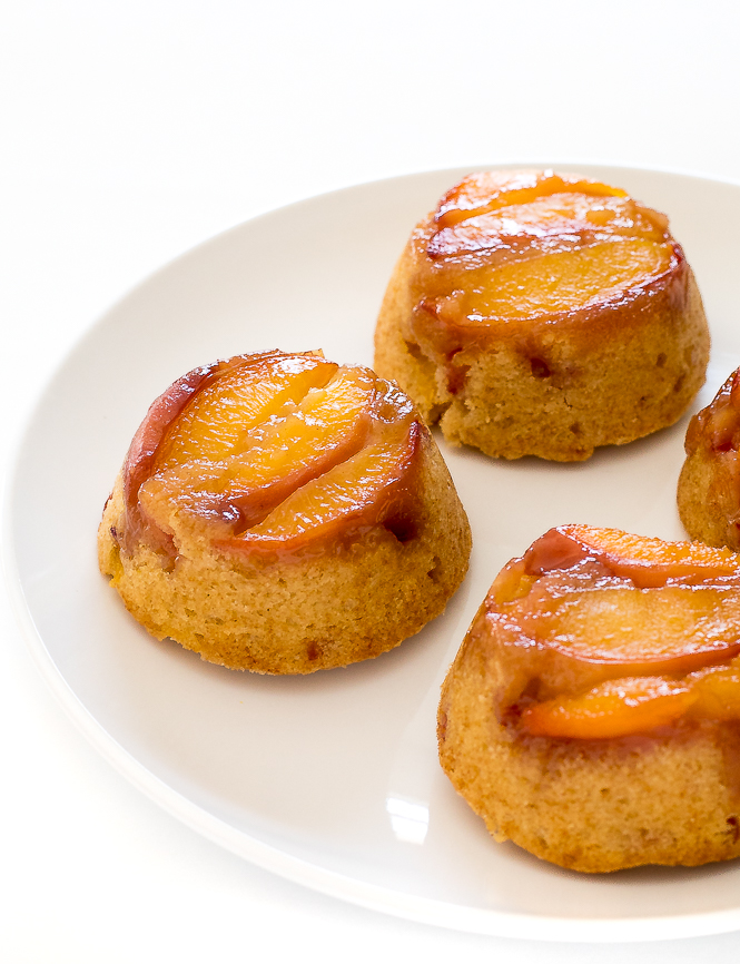 Mini Peach Upside Down Cake | chefsavvy.com
