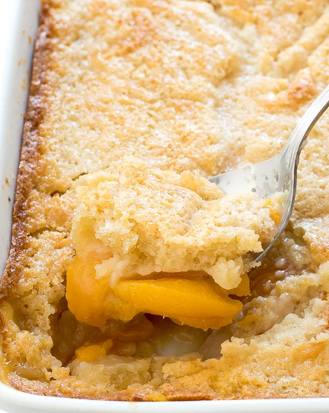 Homemade Peach Cobbler | chefsavvy.com