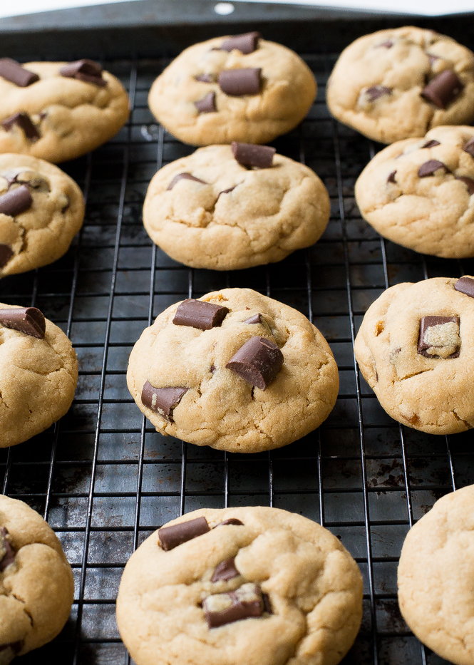 Peanut Butter Chocolate Cookies | chefsavvy.com