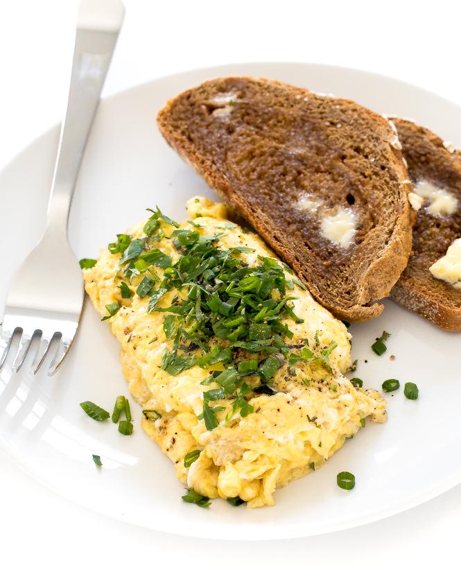 herb scrambled eggs
