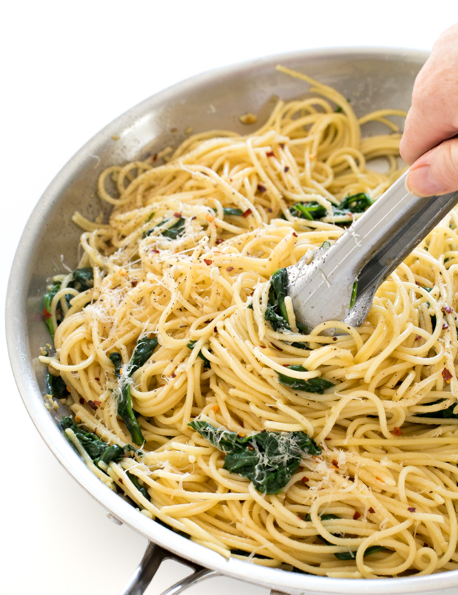 Garlic and Oil Spaghetti | chefsavvy.com