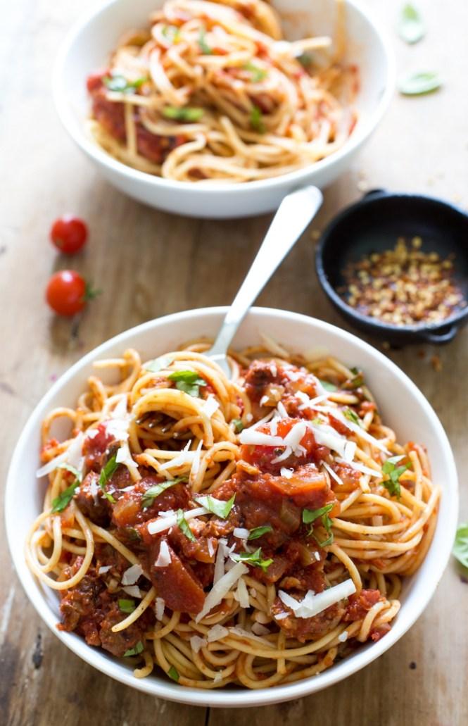 Homemade Tomato Sauce | chefsavvy.com