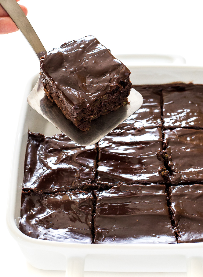 The Best Chocolate Zucchini Brownies | chefsavvy.com