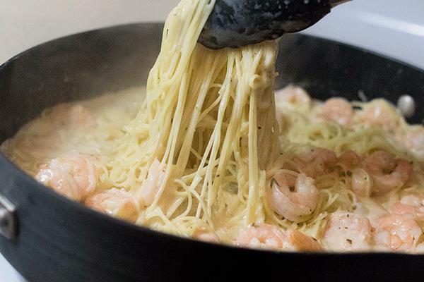 Fresh Pasta with garlic butter cream sauce