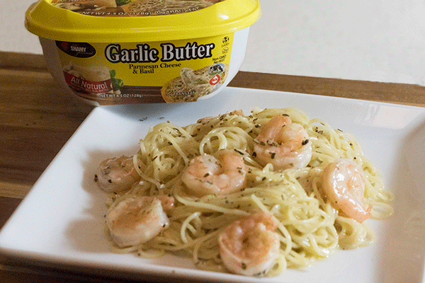 chef shamy garlic butter cream sauce with shrimp scampi
