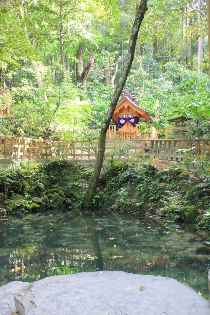 八重垣神社の天鏡神社の様子