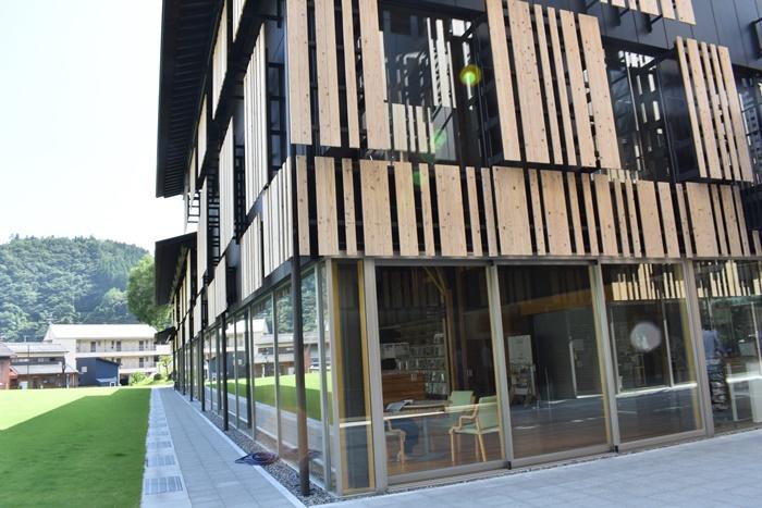隈研吾さんが設計した梼原町の図書館