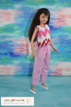Click on the link in the caption to navigate to the page where you'll find the free printable PDF sewing patterns for making your Skipper doll (or similar-proportioned 10 inch fashion dolls / 25.4 cm fashion dolls) a pair of ankle pants with an elastic waist and a very durable lined sleeveless shirt. The image shows Skipper modeling a pair of pink long capri pants or ankle pants with a sleeveless shirt of cotton, made with a fabric that has zig-zagging stripes in pink, red, and white plus tiny red hearts dotted across the zig-zag pattern. The watermark reminds you to go to ChellyWood.com for free printable PDF sewing patterns.