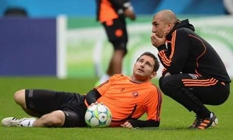 Di Matteo foi comandante de Frank Lampard no clube londrino. Atualmente, Lampard assume a direção técnica do time de Stamford Bridge.
