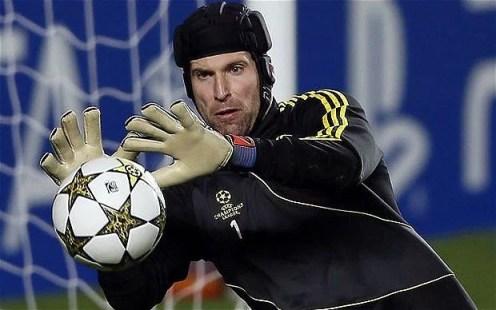 goleiro acredita que o Chelsea pode ganhar as duas competições restantes na temporada (Foto: showdebola.pt)