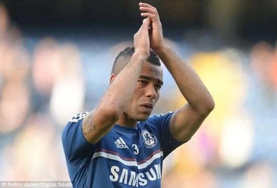 Durante o treinamento antes do início da partida, Cole não se conteve e chorou.
