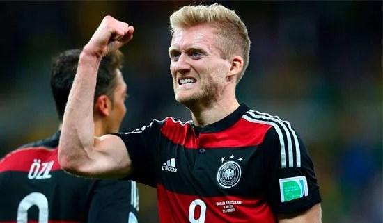 Schürrle não esconde a ansiedade e a felicidade por chegar à final (Foto: Getty Images)