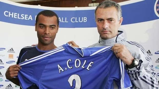 Joe Cole chegou para ser titular e virou ídolo no Chelsea (Foto: Julian Finney/Getty Images)
