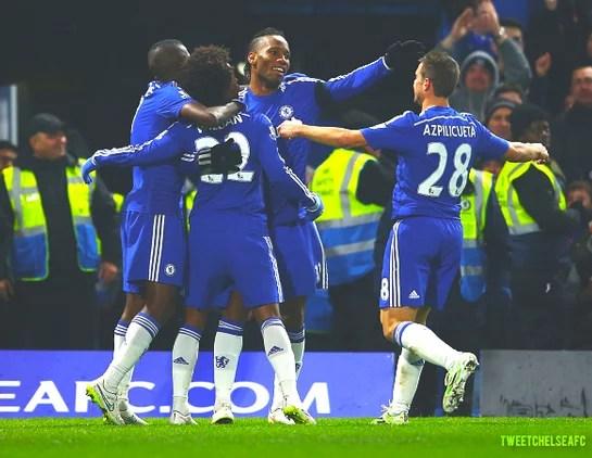 Jogadores comemoram o primeiro gol do Chelsea, marcado por Willian