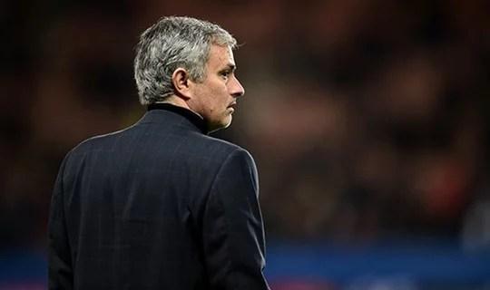 Mourinho demonstrou foco total na final (Foto: Chelsea FC)