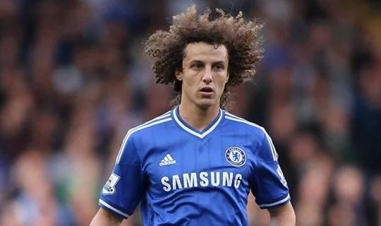 David Luiz atuou duas temporadas em meia no Chelsea (Foto: Getty Images)