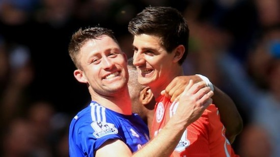 Cahill e Courtois estão na seleção da UEFA (Foto: Chelsea FC)