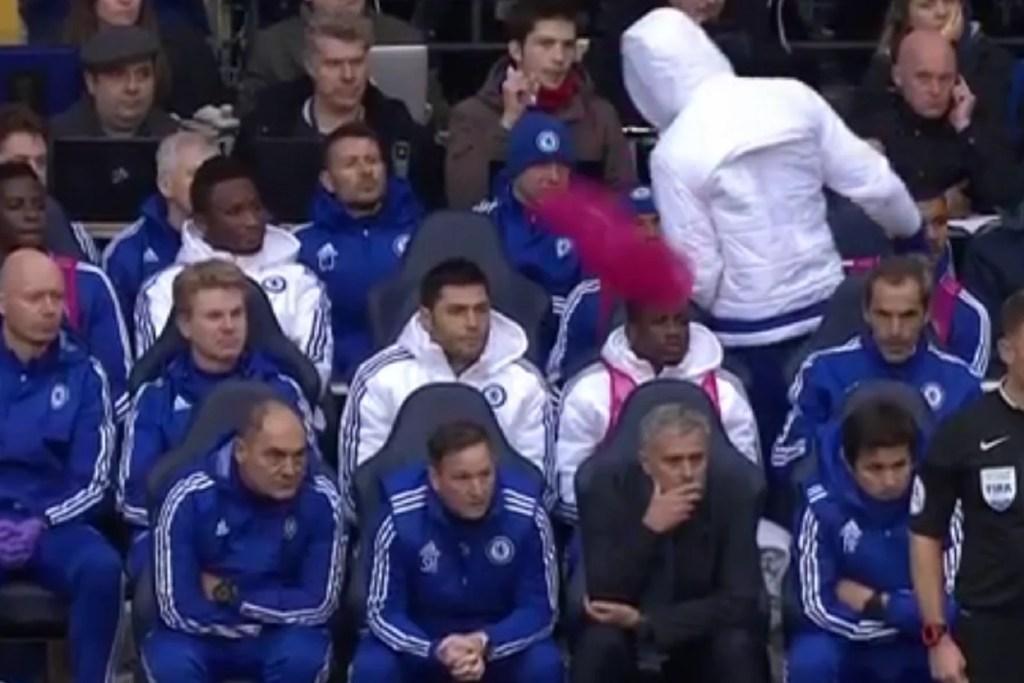 A polêmica do colete parecia que deixaria Diego em maus lençóis (Foto: Sky Sports)
