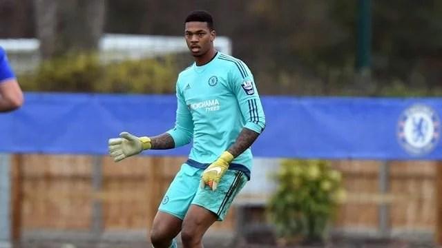 Jovem goleiro não teve espaço no Chelsea (Foto: Chelsea FC/Reprodução)