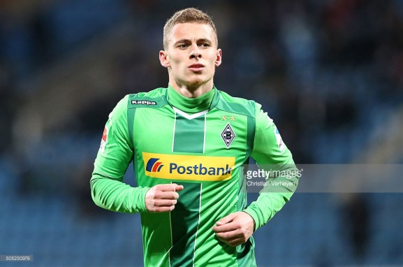 Thorgan usa a camisa 10 no Borussia Monchengladbach