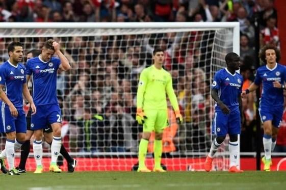 Desempenho dos Blues contra o rival inglês foi fraco e rendeu o terceiro jogo sem vitória (Foto: Getty)