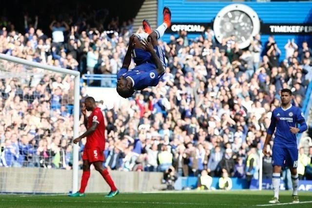 Moses em boa fase nos Blues: titularidade, confiança e gols. (Foto: Chelsea FC)