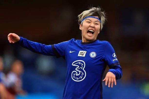 Ji So-Yun comemorando a vitória contra o Aston Villa