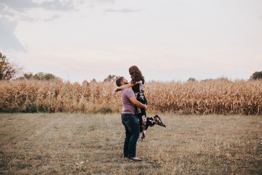 Iowa_Engagement_Photographer_Adventure_Session_Backbone_State_Park