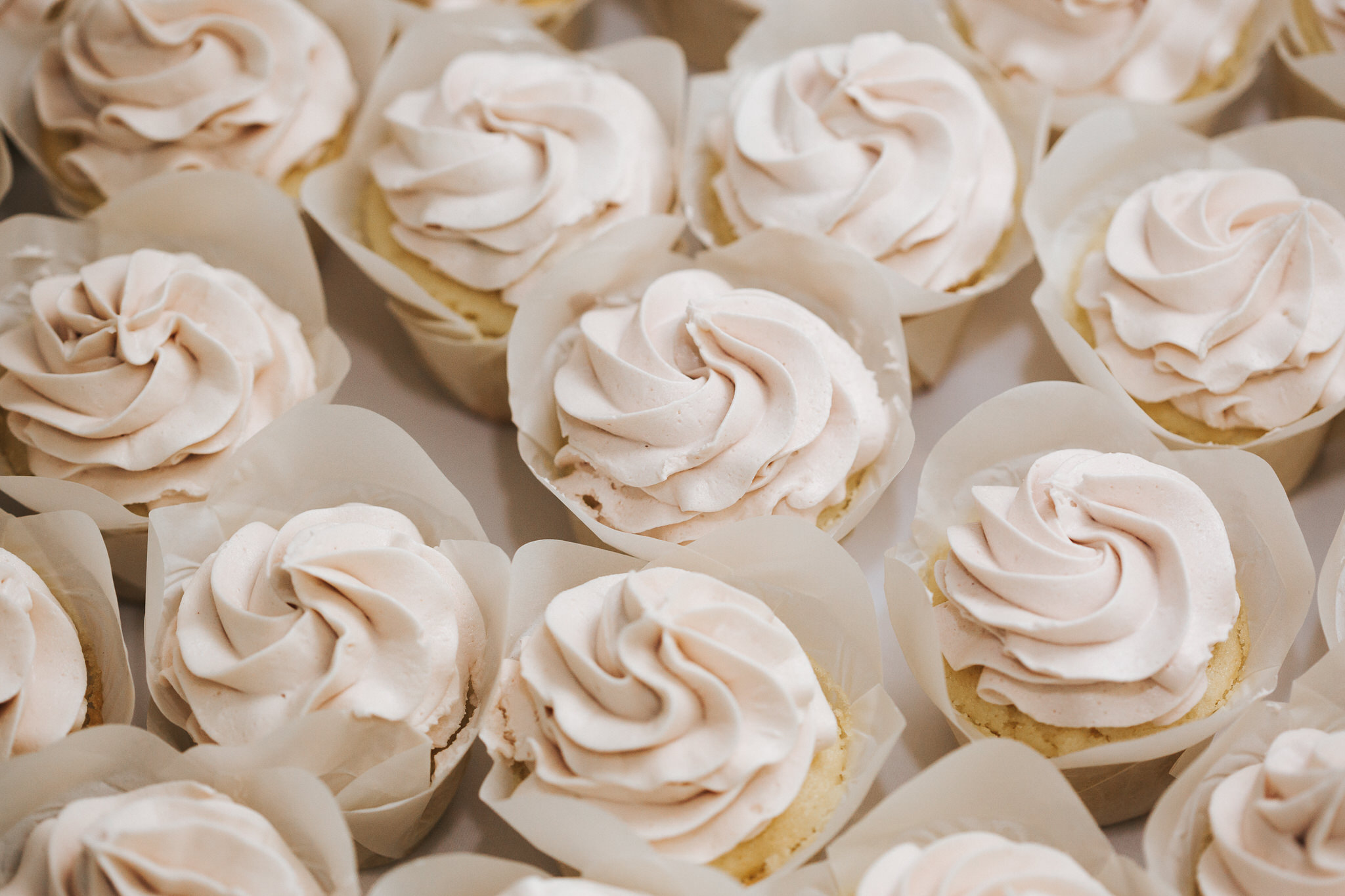 Iowa's best desserts, cupcakes, and cakes for receptions