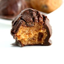 No Bake Cookie Dough Truffles