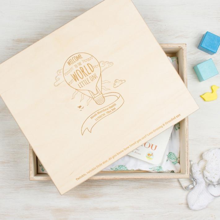 Personalised-wood-New-Baby-Keepsake-Box-Balloon-