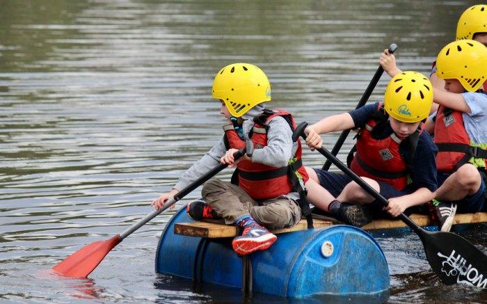 Raft Paddling