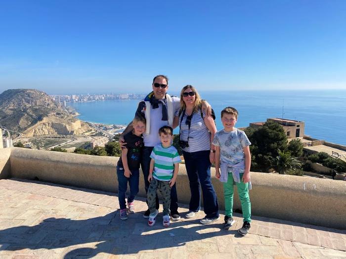 Alicante Family
