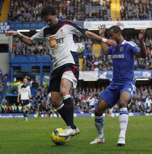 Ashley Cole vs Bolton