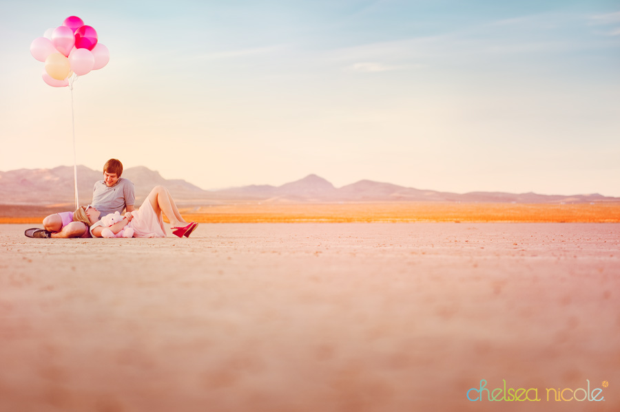 https://i1.wp.com/chelseanicoleblog.com/wp-content/uploads/2011/02/valentines-inspired-couples-shoot-in-the-desert.jpg