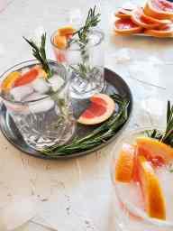 Kicked up grapefruit selzter