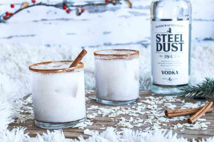 Cinnamon Roll Cocktail in a glass