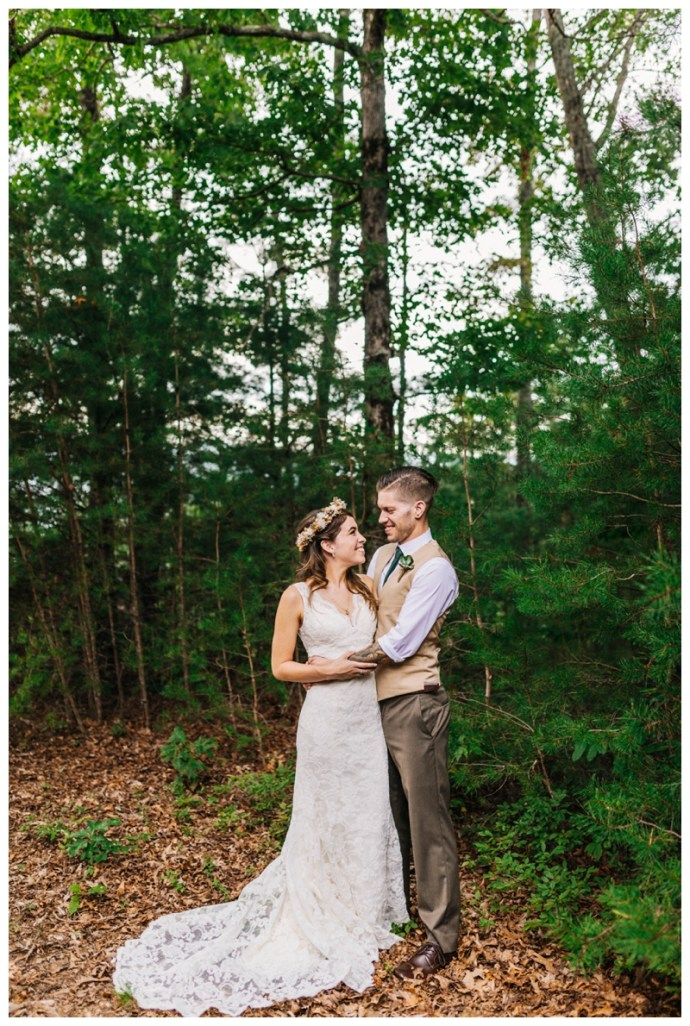 Destination_Wedding_Photographer_Mountain-Top-Cabin-Wedding_Elizabeth-and-Benjamin_Dahlonega-GA_0054.jpg