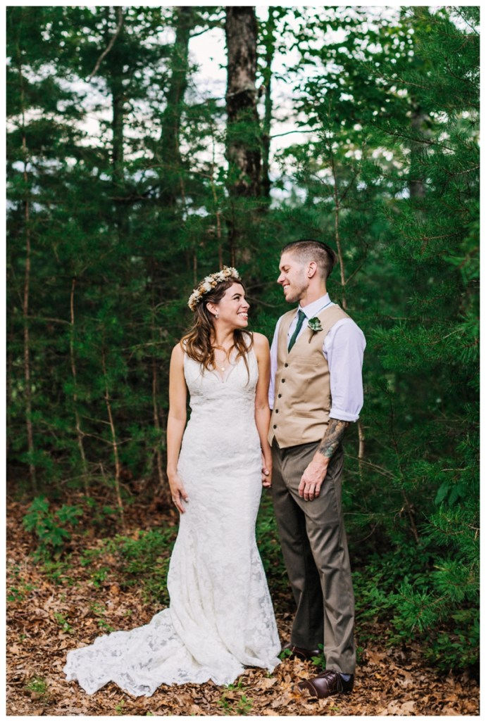 Destination_Wedding_Photographer_Mountain-Top-Cabin-Wedding_Elizabeth-and-Benjamin_Dahlonega-GA_0068.jpg