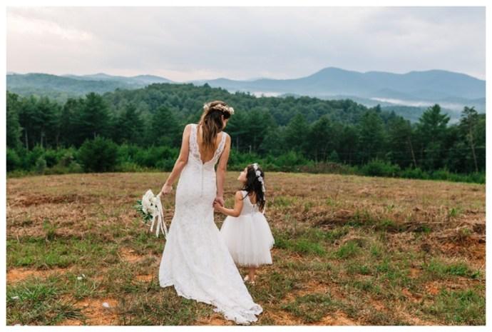 Destination_Wedding_Photographer_Mountain-Top-Cabin-Wedding_Elizabeth-and-Benjamin_Dahlonega-GA_0115.jpg
