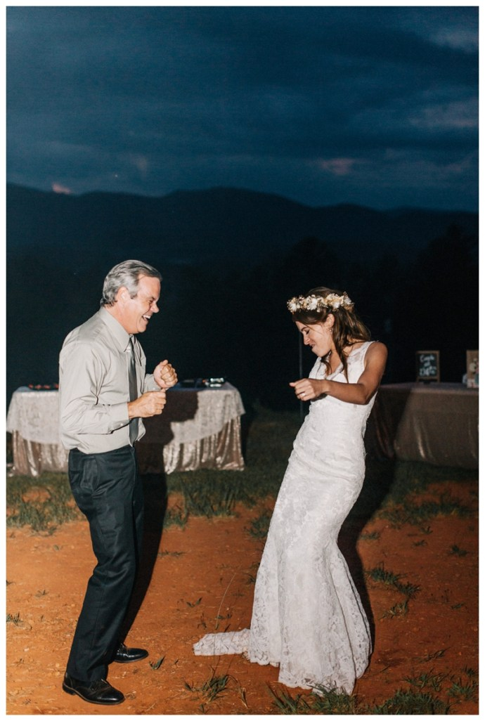 Destination_Wedding_Photographer_Mountain-Top-Cabin-Wedding_Elizabeth-and-Benjamin_Dahlonega-GA_0141.jpg